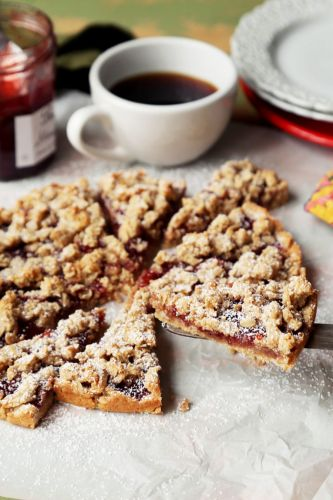 Almond Flour Strawberry Crumble Bars