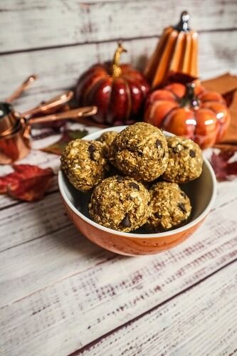 Pumpkin Spice Oatmeal Cookie Energy Bites