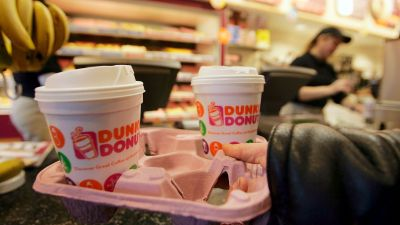 Force Dunkin' Donuts Staff Out Into the Cold With Curbside Pickup