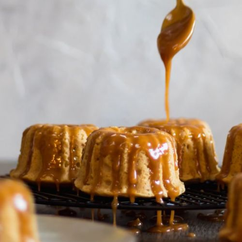 Brown Sugar Cakes & Caramel Drizzle