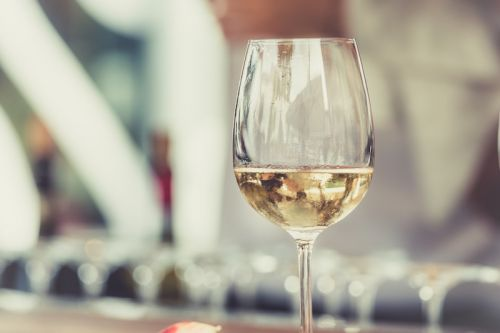 Refreshing the Palate: Crisp Italian White Wines and Heavy Fall Foods