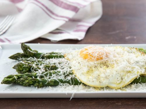Asparagus alla Milanese (Poached Asparagus With Fried Egg and Parmesan Cheese)