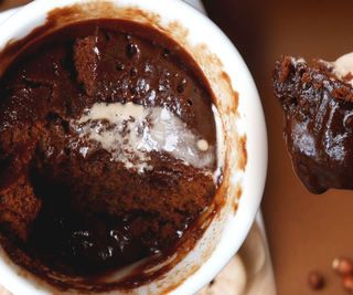 3 INGREDIENT NUTELLA BROWNIE IN A MUG