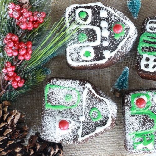 Gingerbread Cakes for the Holidays