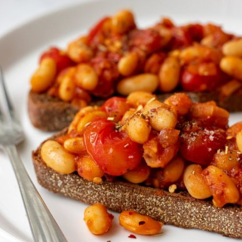 Healthy baked beans on toast