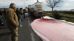 Angry French Winemakers Flood Highway With Spanish Vino
