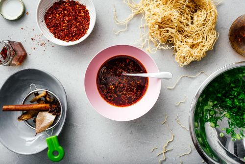 How to Make Authentic Chinese Spicy Hot Chili Oil