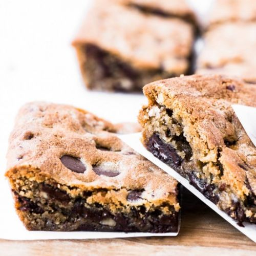 Pecan Dark Chocolate Blondies