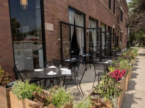 Chicago's Restaurants Can Reopen for Outdoor Dining on June 3