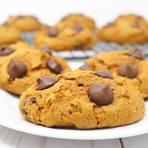 Pumpkin Spice Chocolate Chip Cookie
