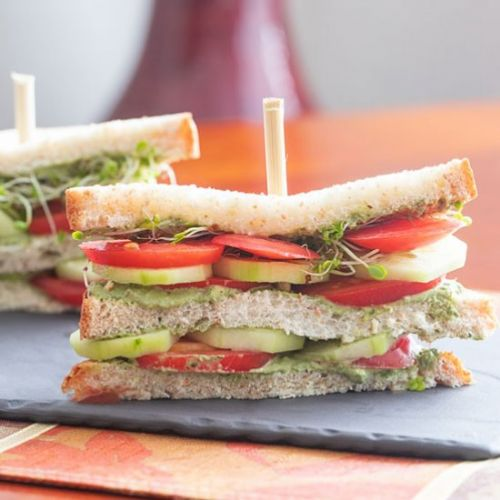 Tomato Sandwich with Cucumber