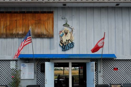 Chefs + Dives: Salty Mike's Deck Bar, Charleston