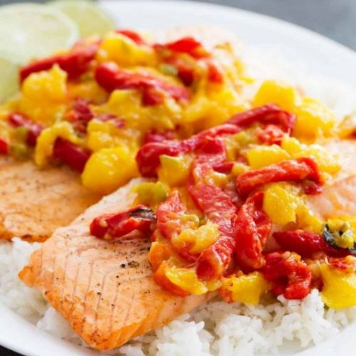 Salmon with Mango and Red Pepper