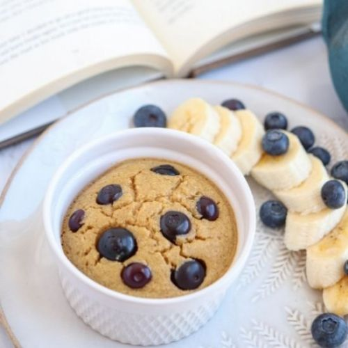 Banana Baked Oats with Blueberries