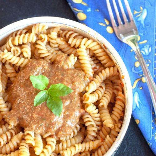 Pasta with Red Pesto Sauce