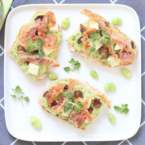 Crostini with fava bean and bacon