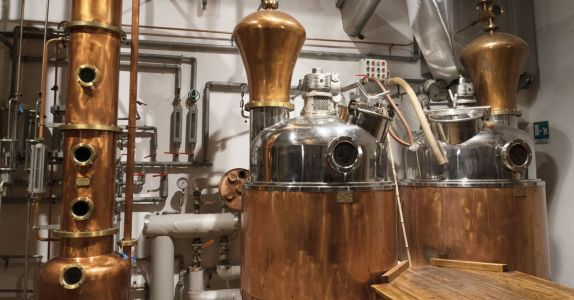 The Difference Between Pot Versus Column Stills, Explained
