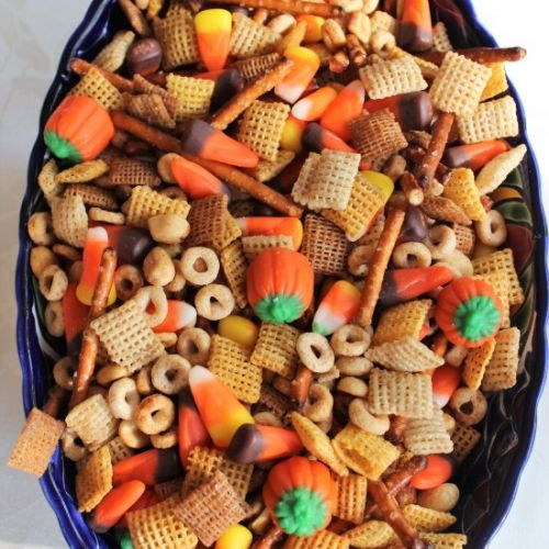 Halloween Nuts and Bolts Snack Mix