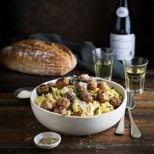 Pasta with fennel, onion, and meatballs