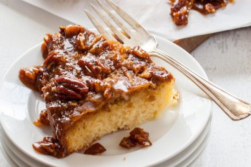 """Salted Pecan Cake + First Look at """"Cake, I Love You!"""""""