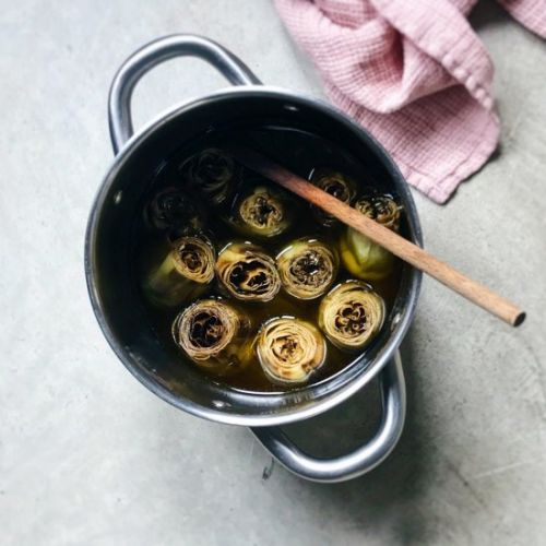 Candied artichokes in olive oil
