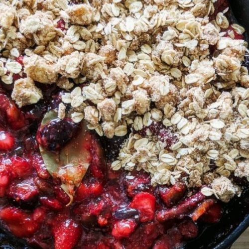 Fig-Strawberry Crisp with Bay