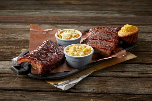 Famous Dave's Opens Newest Restaurant in Al Ain, UAE
