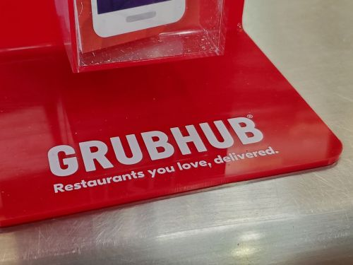 Chicago Inches Closer to Capping Grubhub and DoorDash's Fees