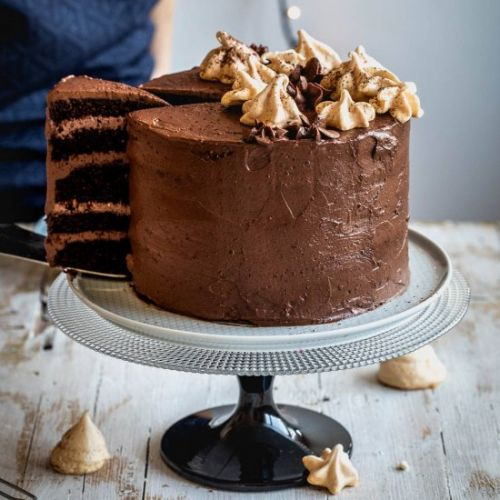 Chocolate Cake with Meringues