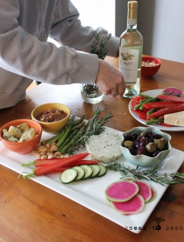 How to Make a Vegan Charcuterie Board Paired with Wine