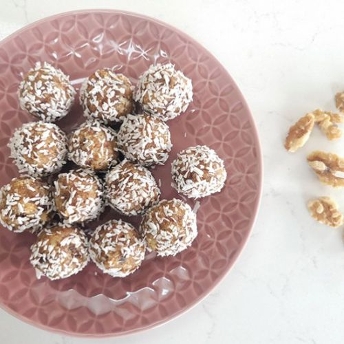 Date and Coconut Energy Balls