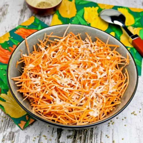 Grated carrot salad