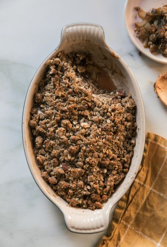 Easy Thanksgiving Dessert: Almond Oat Pear Crumble