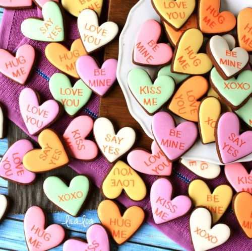 How To Make Conversation Heart Colored Icing - Color Formulas