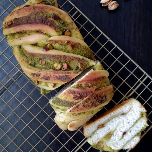 Pesto and pistachio babka