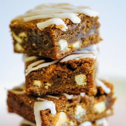 Cinnamon & White Chocolate Blondies