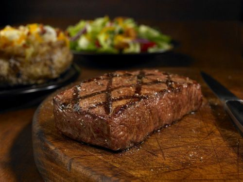 Outback Steakhouse to Unveil Next-Generation Restaurant in Del Amo Fashion Center