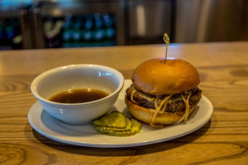Zinburger Wine & Burger Bar Adds Certified Angus Beef & Prime Rib-Blended Patty to Menu
