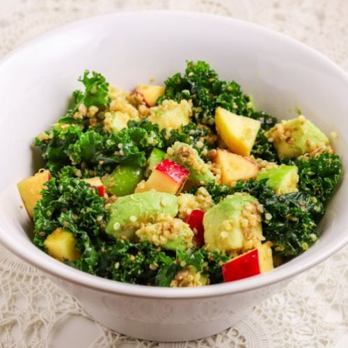 KALE SALAD WITH QUINOA & APPLES