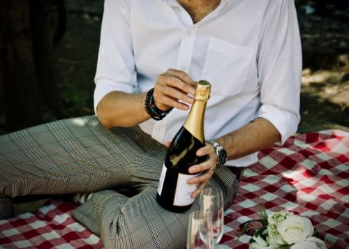Restaurant News: Champagne Sales Down -33%; PizzaExpress Closes 15% of Locations; Impressive Texas Roadhouse Earnings