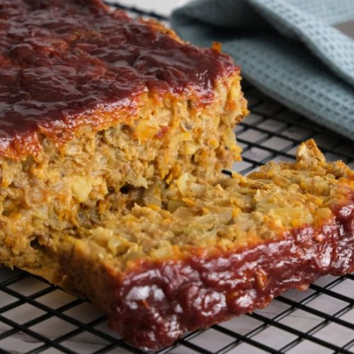 Lentil loaf with oats and veggies