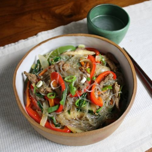 JAPCHAE, KOREAN STIR-FRIED GLASS NOODLES
