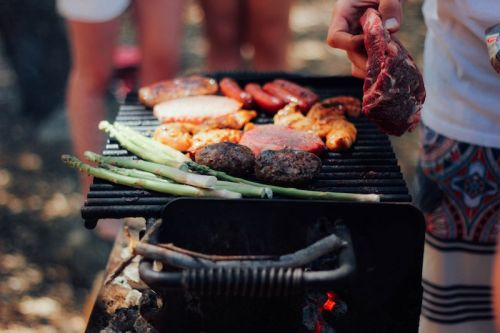 Wine Tips for a Memorial Day Backyard Barbecue