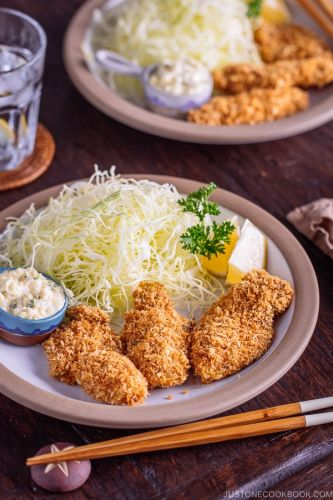 Japanese Fried Oysters with Homemade Tartar Sauce カキフライ
