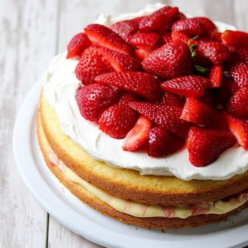 Scandinavian Strawberry Cream Cake