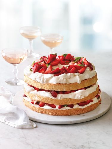 Angel Food Cake with Minted Strawberries and Mascarpone Cream