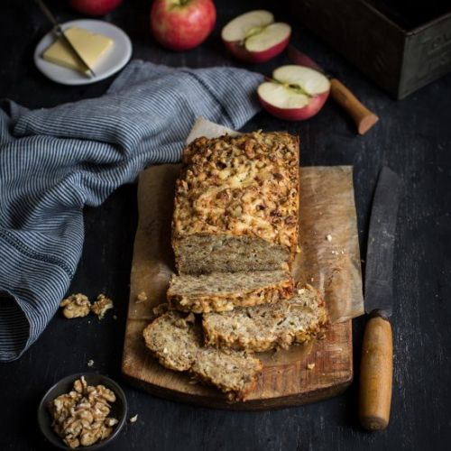 Cheddar, apple & walnut loaf