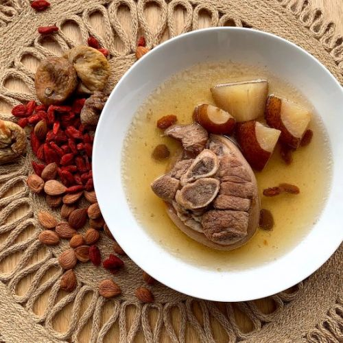 Chinese Pork and Pear Soup