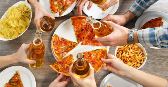 Study Reveals America's Favorite Drunk Snacks
