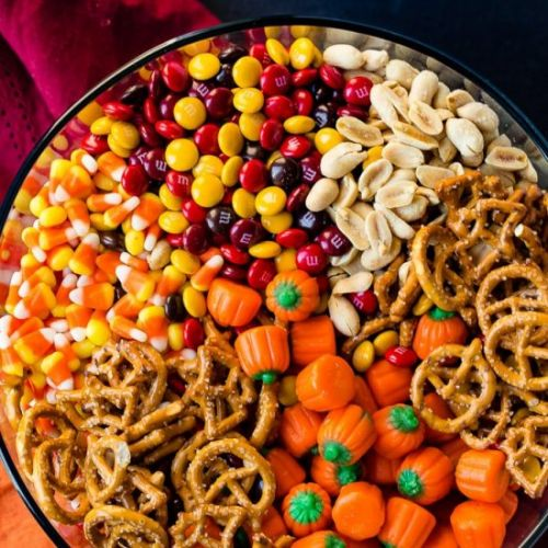 5 MINUTE HALLOWEEN SNACK MIX